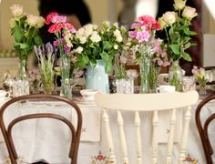 Established in 2007, we are Sydney's original and biggest supplier of vintage china tea sets, stands, glassware, crystal vases, silverware, vintage games and props for your event
