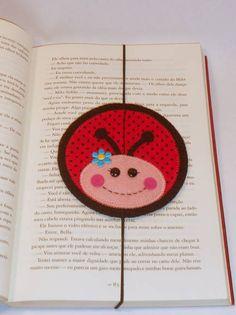 Marcador de página joaninha. Feito em feltro. felt crafts, marcador de, felt bookmark
