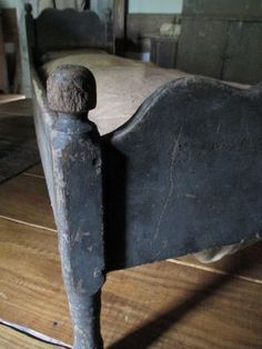 . blue, antique beds, primit furnitur