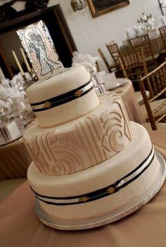 Art Deco Wedding Cake wedding favors, art deco wedding, wedding cakes, design blogs, black art, vintage art, art nouveau, cake toppers, deco cake