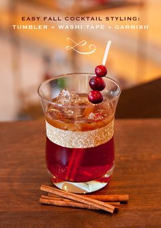 Spiced Fall Cocktail Recipe and Styling Tips | #christmas #xmas #holiday #drinks
