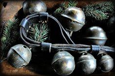 . holiday, sleigh bell, sleigh ride, jingl, christma decor, bell ring, prim sledsskatesbellsski, christmaswint, christma gather