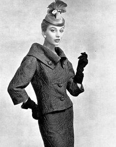 Balenciaga, 1954 vintag fashion, 1950s fashion, cristob balenciaga