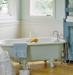contrast color on tub