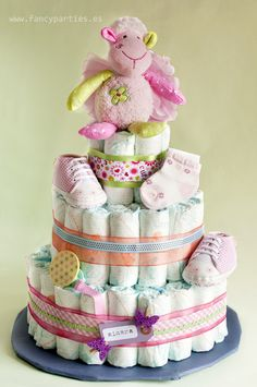 Pink and Green Diaper Cake  by www.fancyparties.es #diapercake