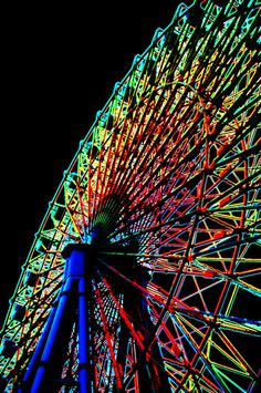 Ferris wheel by dolphin_dolphin on Flickr.