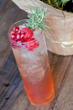 Berry Sparkle Cocktail