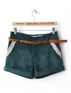 Green Mid Waist Lace Pockets Shorts