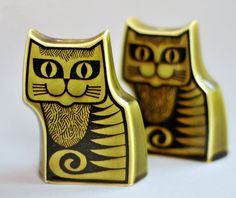 Vintage Hornsea Pottery cat cruet designed by John Clappison for the innovative North-Eastern pottery company in England, 1960's (says it's a cruet but looks like salt & pepper to me)