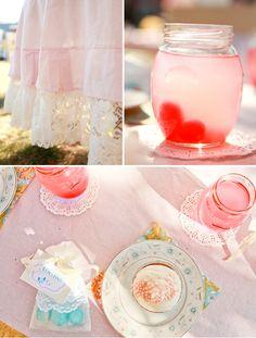 doili, butterfli drink, ice cubes, tablecloth, butterfli birthday, pink drinks, pink lemonade, mason jars, butterfli parti