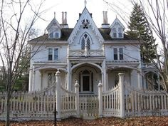 Abandoned Gothic. The Mason House in Thompson Ct.