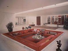 living room = sunken lounge Eero Saarinen, Interior Design, Living Rooms, Couch, Convers Pit, Dream Houses, Design Styles, Kids Interior, Vintage Decor