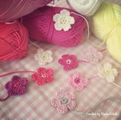 In 5 minutes you crochet one of my flowers! Photo pattern by BautaWitch