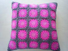 crochet pinki grey, crochet cover, colors, grey cushion, cushion covers, crochet pillow, granni squar, granny squares, crochet cushions
