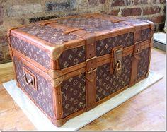 Vintage Louis Vuitton trunk Lv Trunk, Vuitton Trunk, Luggag Cake, Food, Cake Decorations, Incredible Cakes, Decorated Cakes, Designer Cakes, Cake Designs