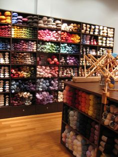knitting-crochet - Yarn Lover's Room - Knit One, Purl Two