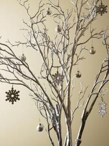 DIY Centerpieces With Branches & Lights