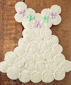 """Check out this """"Wedding Dress Cupcake"""" display for a Bridal Shower.  It's adorable, yet so easy to make!"""