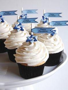 Happy Hanukkah cupcakes