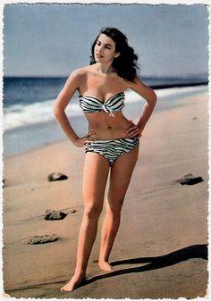 #vintage #beach #summer #swimsuit #model #1950s #bikini