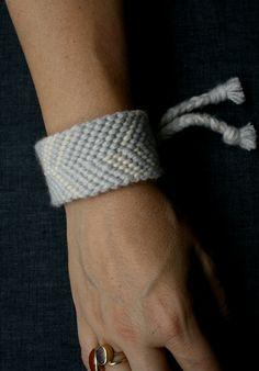 DIY: cashmere cuff