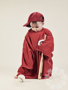 """Taking a picture in the same Adult Large Tee each year to watch him grow into it. """"Red's Littlest Fan"""" by Tracie Jean Photo Cincinnati Family Photographer"""