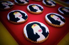 Wonder Woman themed birthday party : Cookies