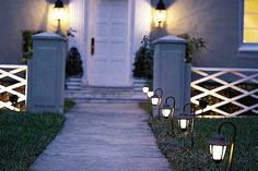 Get ready for trick-or-treaters with our step-by-step guide to illuminating a walkway now, so that you'll be ready for Thanksgiving and holiday guests, too! | Photo: Mark Roskams | thisoldhouse.com