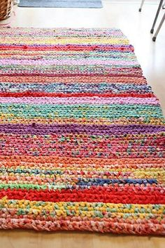 Upcycling (from Facebook page) image of rug made from recycled tshirts