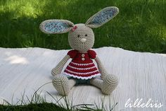 Ravelry: Frilly-pants Bunny pattern by Mari-Liis Lille.
