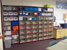 *AWESOME site.  Pinning to read the entire site.  Room Setup page includes classrooms to check out, classroom libraries, ideas for specific areas, organizational ideas, planning the layout, and classroom themes.  And that is just this page!*