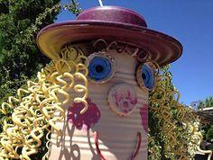 garden peopl, market garden, garden art, garden ect, creativ garden, tin cans, garden ladi
