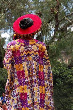 Traje ceremonial Reina Umial Tinimit, Quetzaltenango. Guatemala.