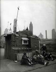 Shelter on the water front, Coenties slip, Pier 5, East River, Manhattan. (May 03, 1938)