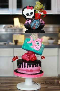 Monster High Cake pastel, birthday, awesom cake, food, wedding cakes, baskets, monsters, monster high cakes, parti