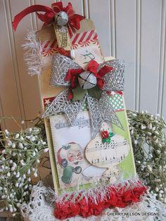 retro santa christmas tag and pocket