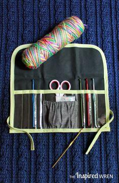 DIY: clear view crochet hook case