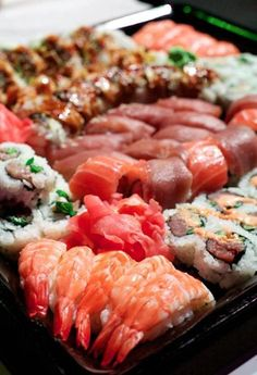 Japanese food porn in 'Jiro Dreams of Sushi' documentary! Amazing life work by Jiro the Sushi master! Great film too!