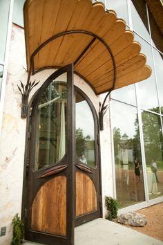 Door at Barr Mansion. Photographer: Amelia Tarbet Photography