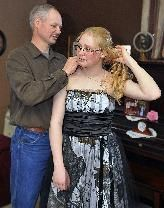 Wisconsin dad makes daughters fashionable prom dress - out of camouflage   StarTribune.com wisconsin dad, camouflag print, militari dad, daughter fashion, dresses, prom dress, daughters, camouflage, camouflag prom