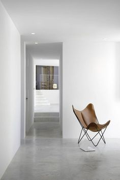 leather buttefly chair