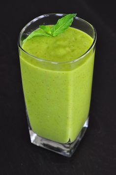 Kiwi Pineapple Mango Super Smoothie by Dr. Patel. http://tinyurl.com/848bgyc   #Smoothie #drpatelsdiet