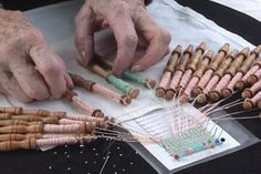 How to weave Bobbin Lace