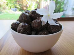 Sweet & Spicy Dessert Balls (raw): Here is a great fast and easy dessert recipe made with all natural, healthy ingredients!