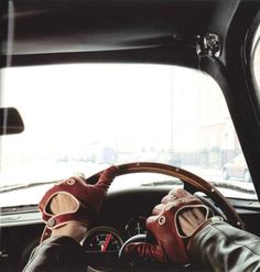 Gloves driving