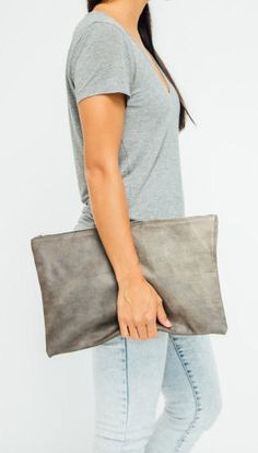 . OMG,OMG......I found a website to sell the LV and the price is very very low. I bought a bag just need $169.99.I need to share with you.type: www.lvbags-omg.com in your browser