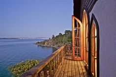 Who wouldn't want this as a back deck?