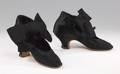 French glass-beaded silk evening shoes 1875-85