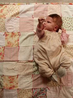 Girl Power! In love with this quilt. You simply must read this blog.