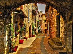 Medieval Village, Perugia, Italy   photo via purr